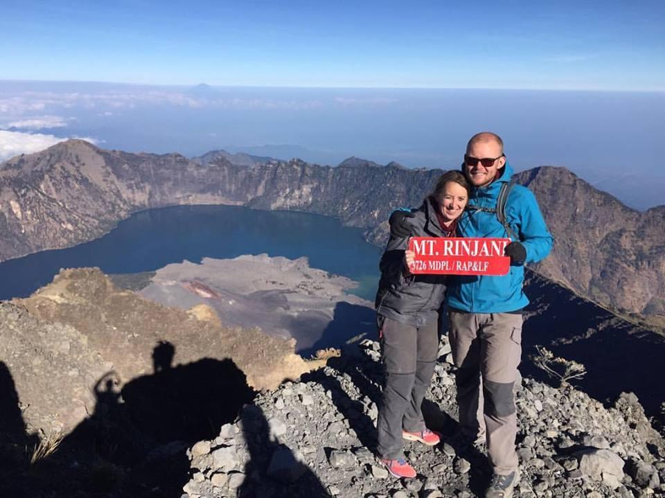 Op de top van de Mount Rinjani (3700m)