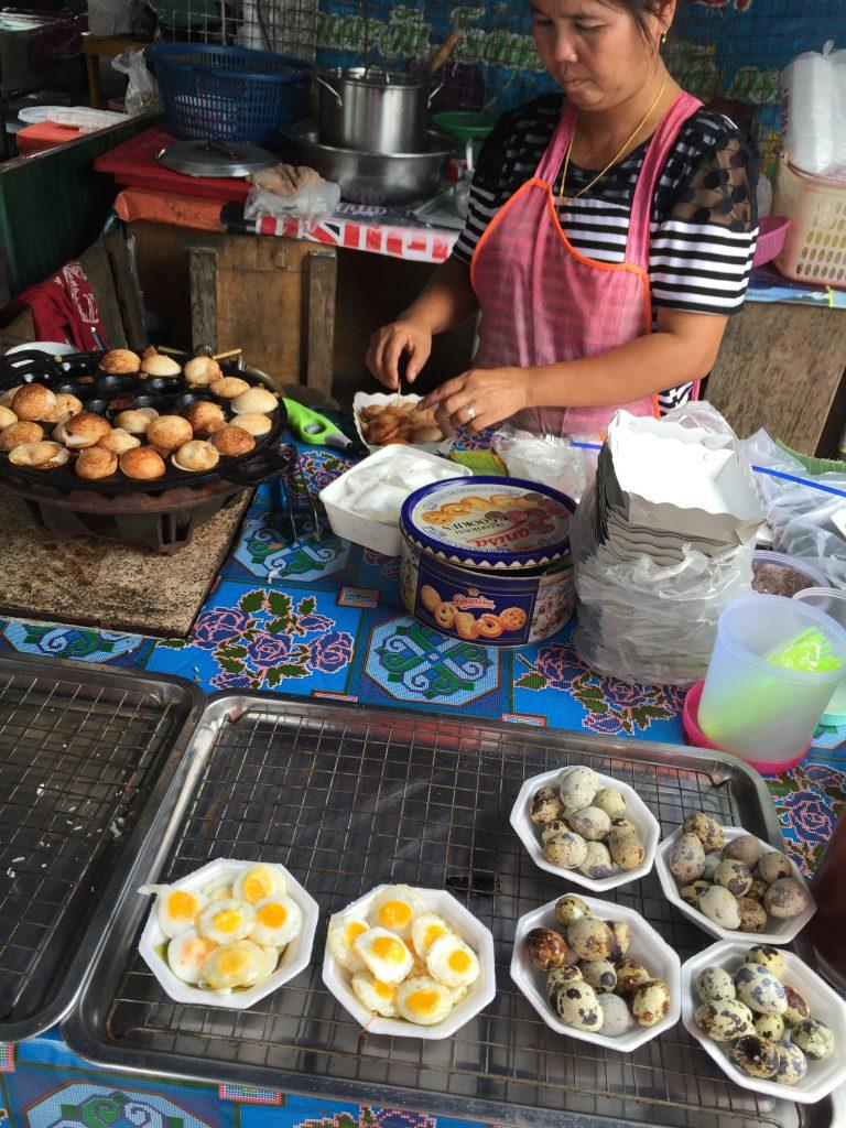 Bezienswaardigheden Chiang Mai: Zondagavond markt Chiang Mai