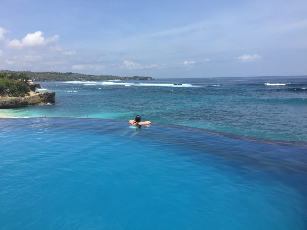 Infinity pool Dream Beach