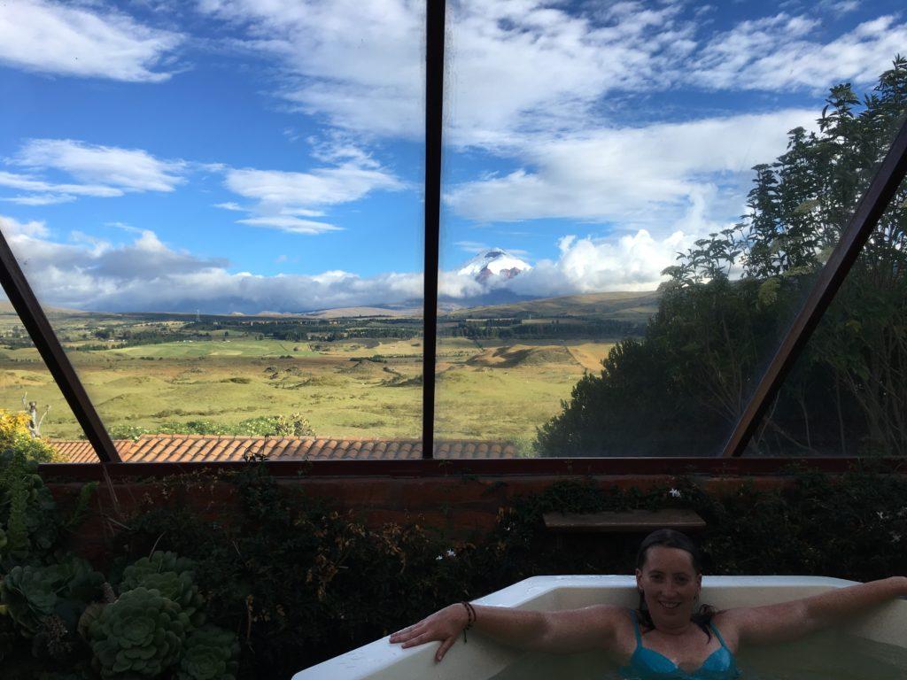 Chillen in de jacuzzi met uitzicht op de Cotopaxi vulkaan