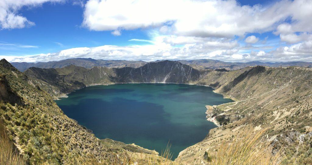 Uitzicht op Quilotoa Laguna ( Quilotoa Loop )