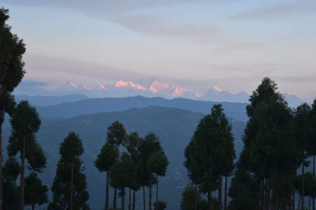 Uitzicht op de schitterende bergketens