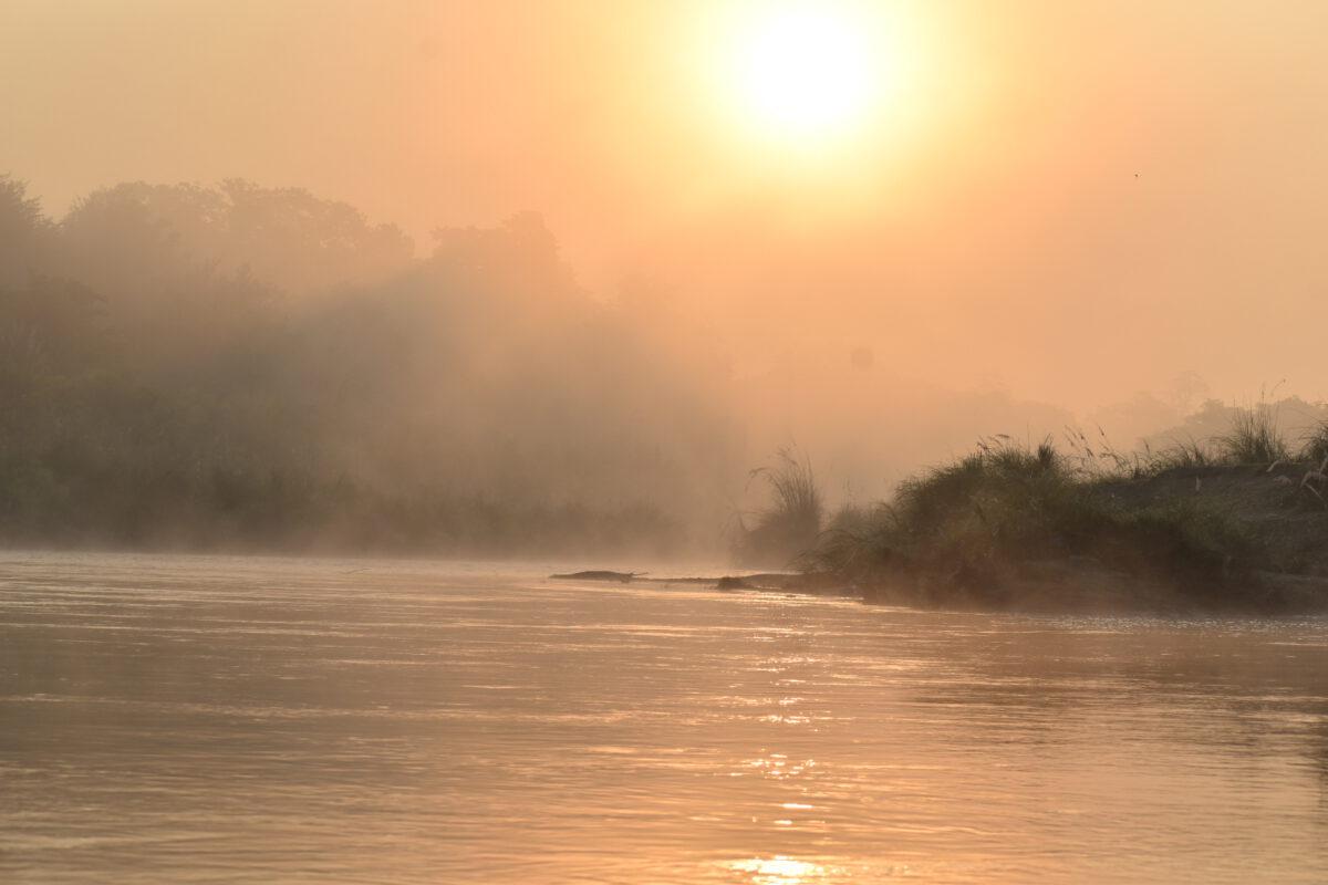 Zonsondergang in Chitwan